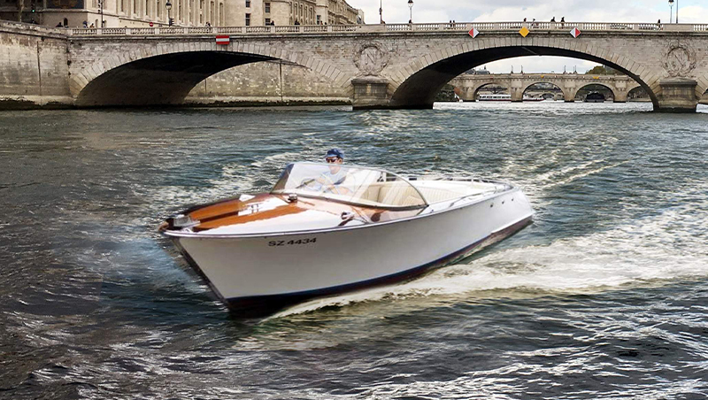 Swiss Runabout, bateau de collection mesurant 6,40 m